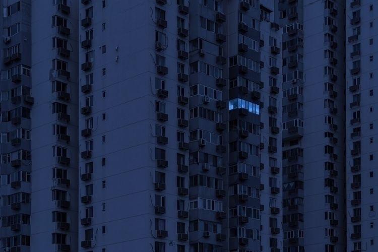 ended – Thom Yorke - Beijing, nightshot - oliviermorisse | ello