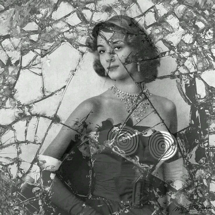 BROKEN Niki de Saint Phalle Ori - martinarall | ello