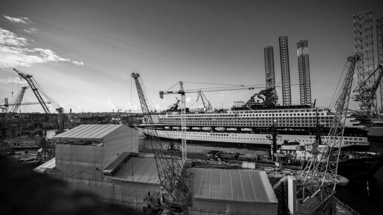 Malta: Palumbo Shipyards | Peop - sr27pakbird | ello