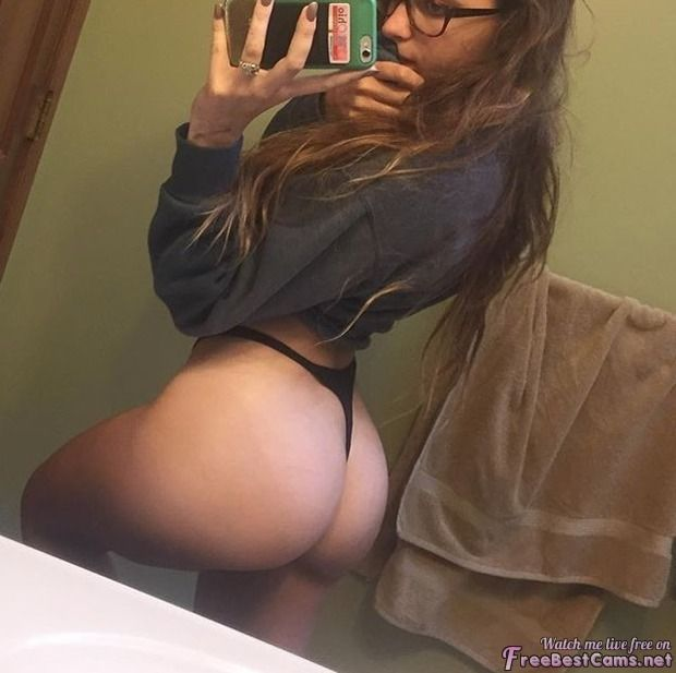 Titties - bigtits, boobs, tits, hotgirls - juliapanan | ello