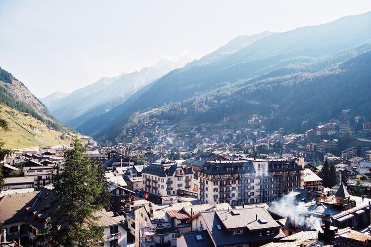 Morning Haze 〜 Zermatt, Switzer - ferreira-rocks | ello