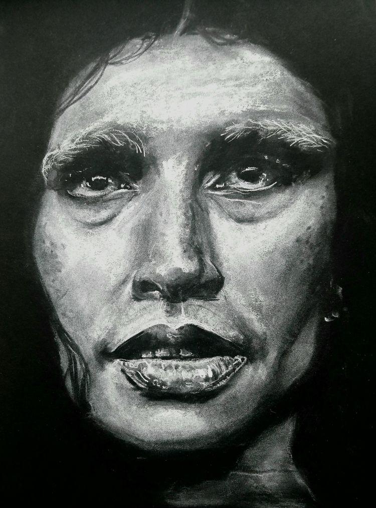 art, charcoal, portrait, sevdaliza - bluecreations | ello