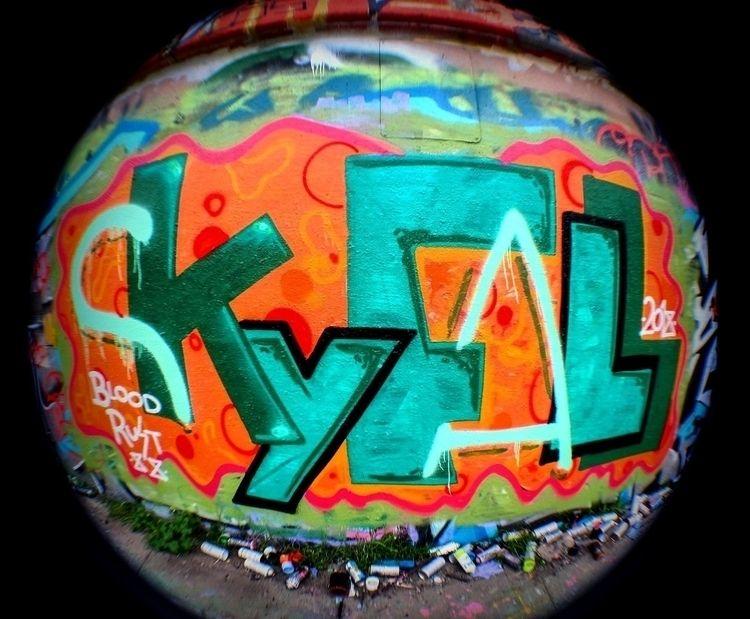 sky fall, crumbles stand tall - graffiti - ten88 | ello