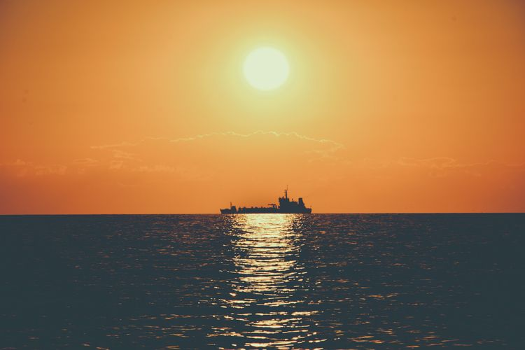 sun - landscape, sunset, ship, boat - fedodes | ello