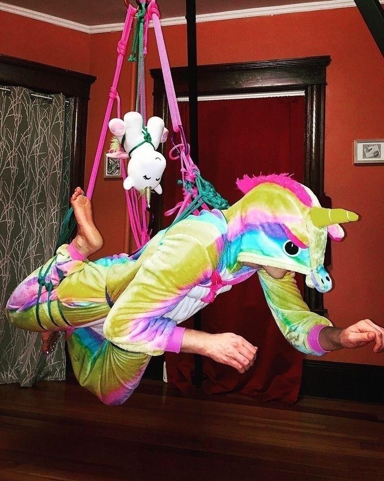 Tandem unicorn suspension= Aest - willow_howls | ello