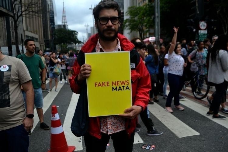 Manifestantes pró Haddad Bolson - thiagodias_ | ello