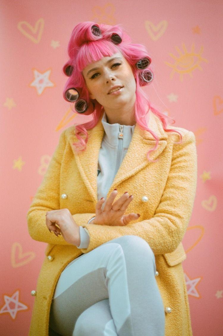 Meet future alternative-pop ico - toriwest | ello