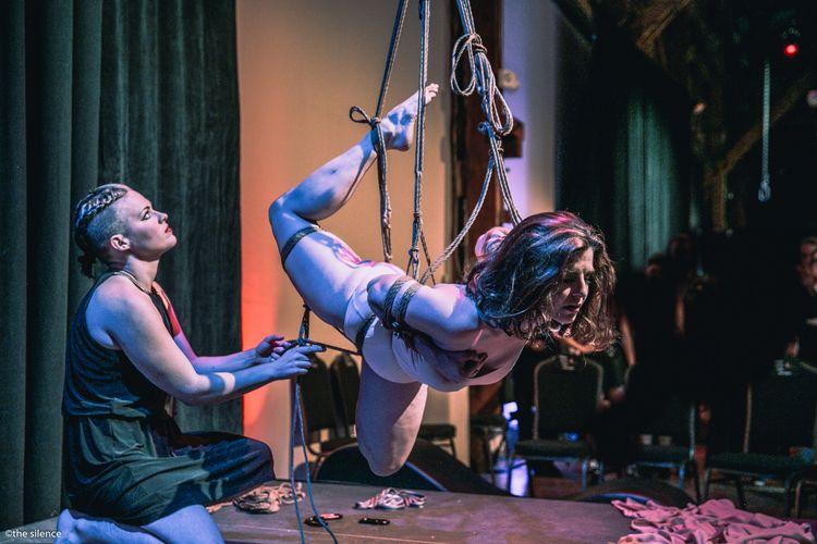 Creating ambiance start night T - linworth_rope | ello