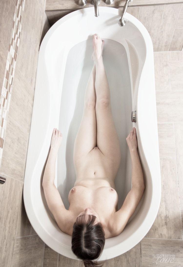 Bath (2018 - TumblrRefugee, BathNude - refined-love   ello