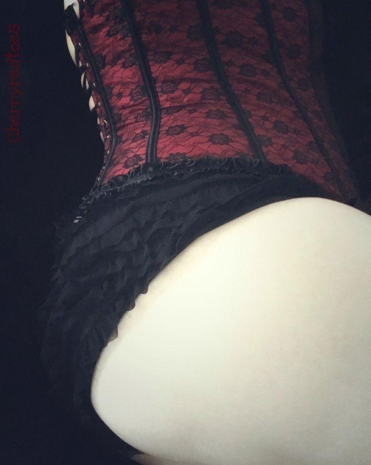 Corset - corset, curves, lingerie - cherryredtoes | ello