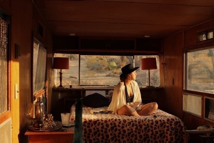 airbnb win - JoshuaTree, california - alexiagarzagomez | ello