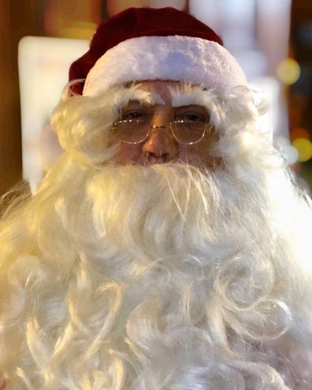 Santa, Baby - christmaspresent, christmastime - itsrichardjohnson   ello