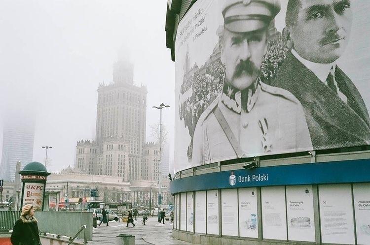 Warsaw, 9h42 - archives, warsaw - fabdeutsch | ello