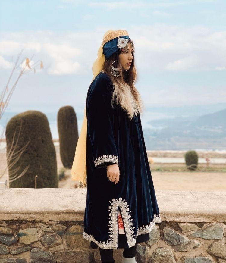Queen Westeros - artofvisuals, kashmir - kunelgaur | ello