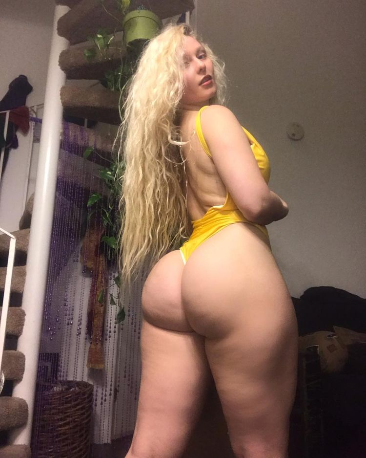 whitebooty, ass, sexy, pale, beach - thishrightheeer | ello