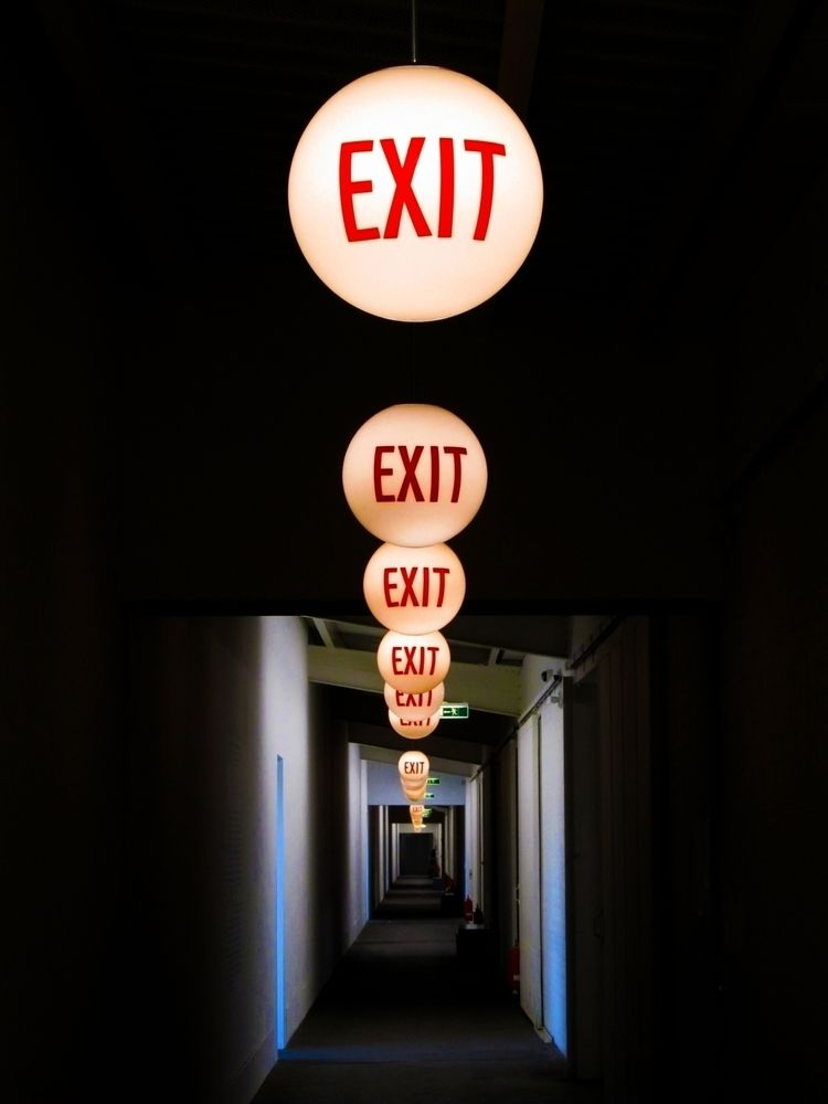 Exit, HamburgerBahnhof, Berlin - alles_banane | ello