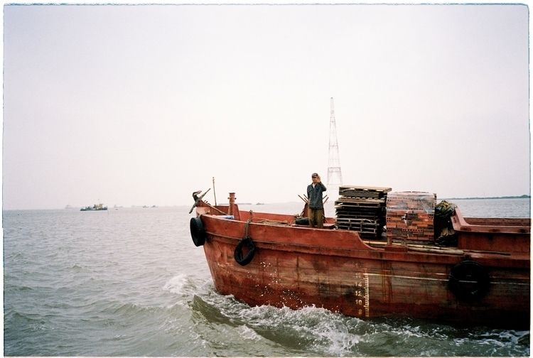 ferry Cat Ba Island, Vietnam fi - brico   ello