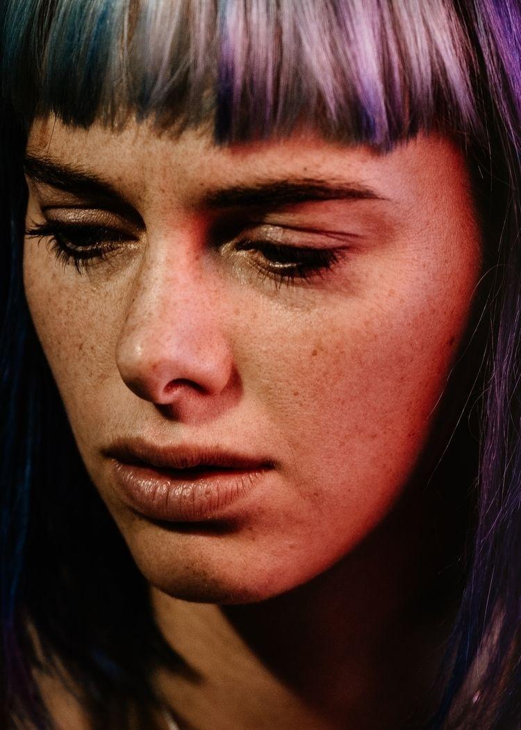 Sara Herrlander - portrait, portraitphotography - sh-i | ello