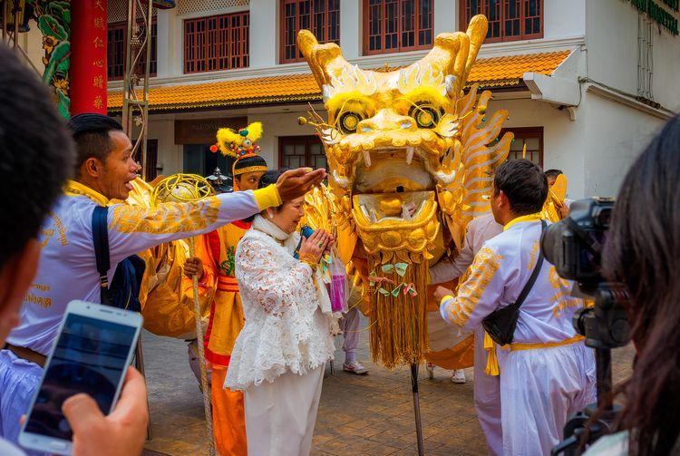 Chinese lady praying luck Yim S - christofkessemeier | ello