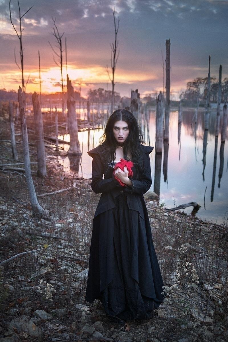 Photographer: Andrew Bacha Mode - darkbeautymag | ello