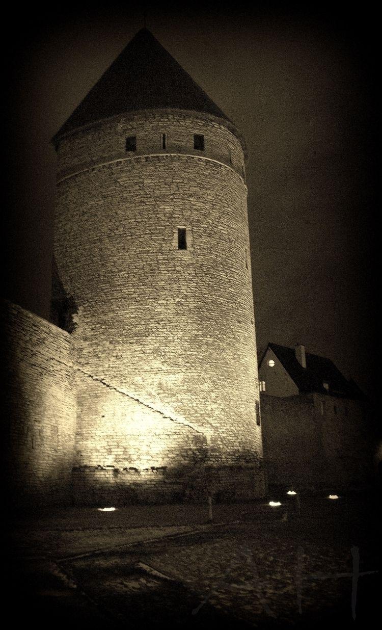 Lights Estonia Tallinn - tallinn - anistie | ello