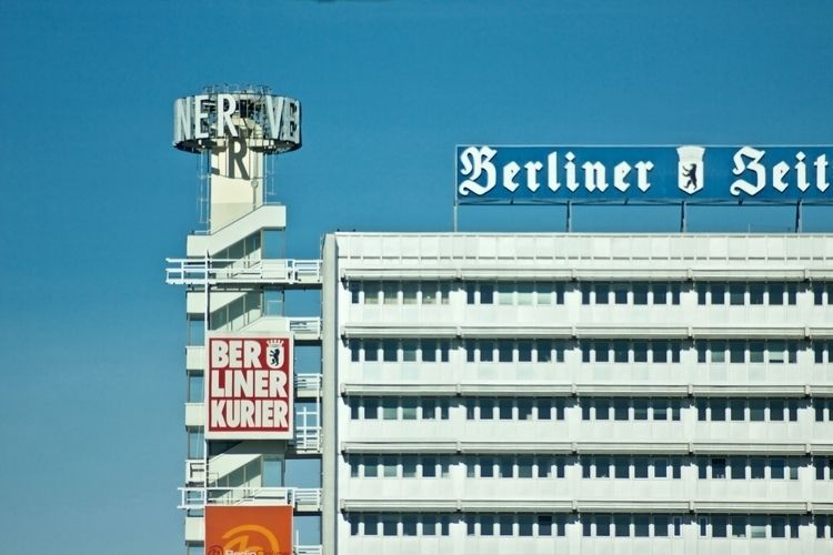 ehem. Berliner Verlag Berlin - newspaper - hannesb   ello
