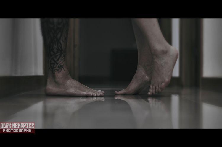 Pisa con suavidad - ellophotographer - darkmemoriesphotography | ello