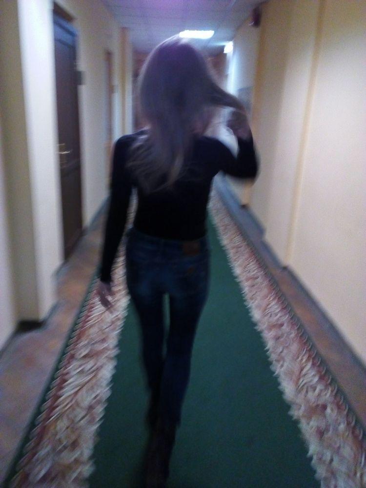 motion. Runway - woman, graceful - igenvoicov | ello