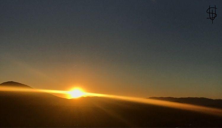 Universe - mountain, sunset - mr_saul   ello