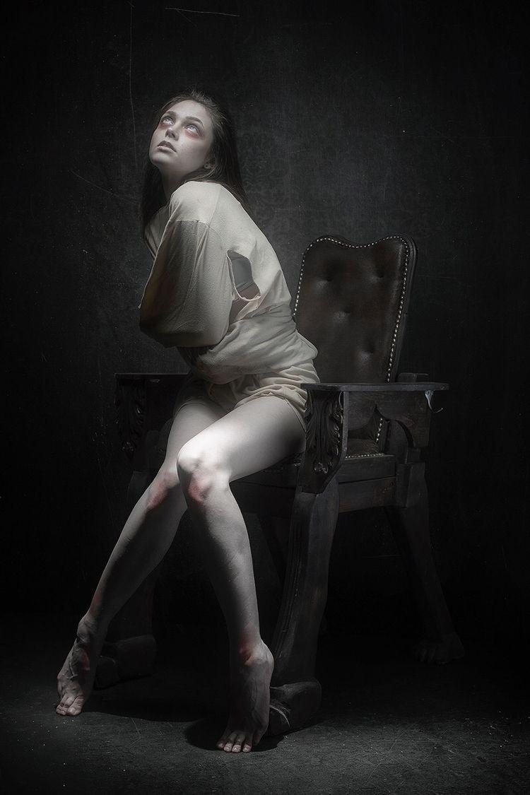 Photographer: Carlos Santos Mak - darkbeautymag | ello