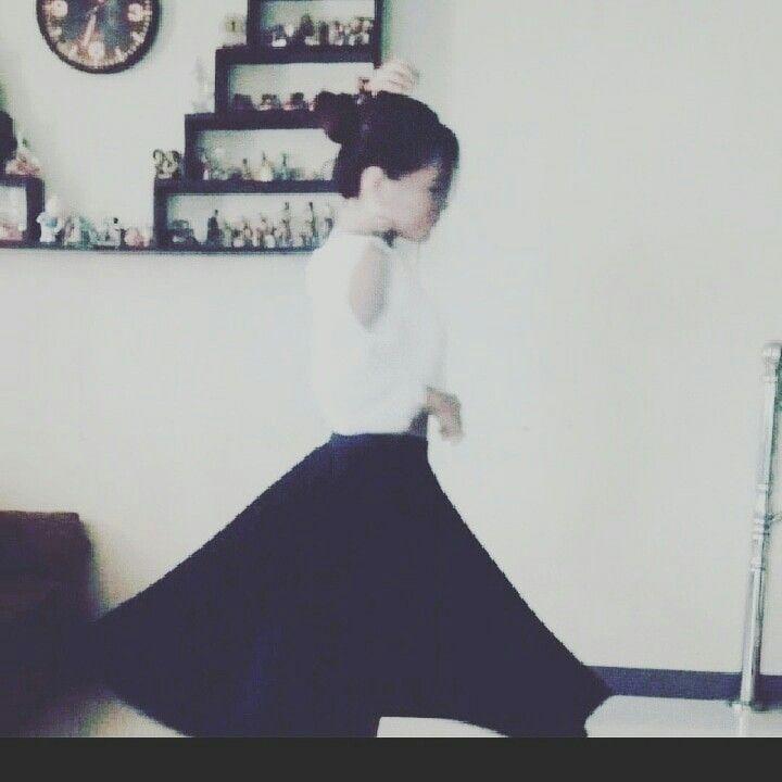 dancing - titaness_ | ello
