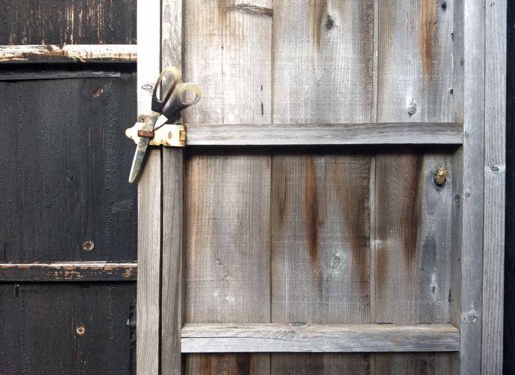 scissors,, cicada,, gate,, wood, - scokobro | ello