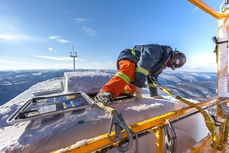 ironworker climbs ice-covered h - cleanenergyphoto | ello