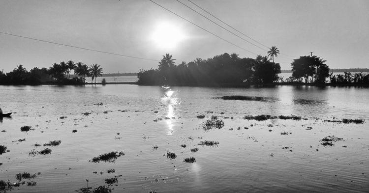 South India, Kerala, sunset hou - fanikio | ello