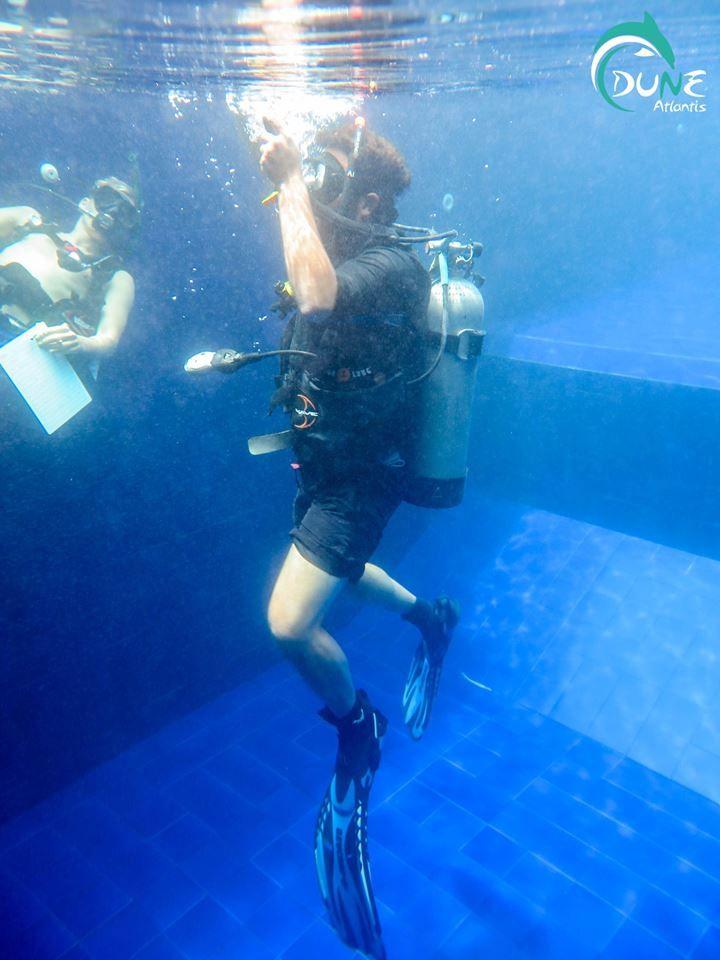 Start Scuba Diving Lessons Begi - atlantisbalidiving | ello