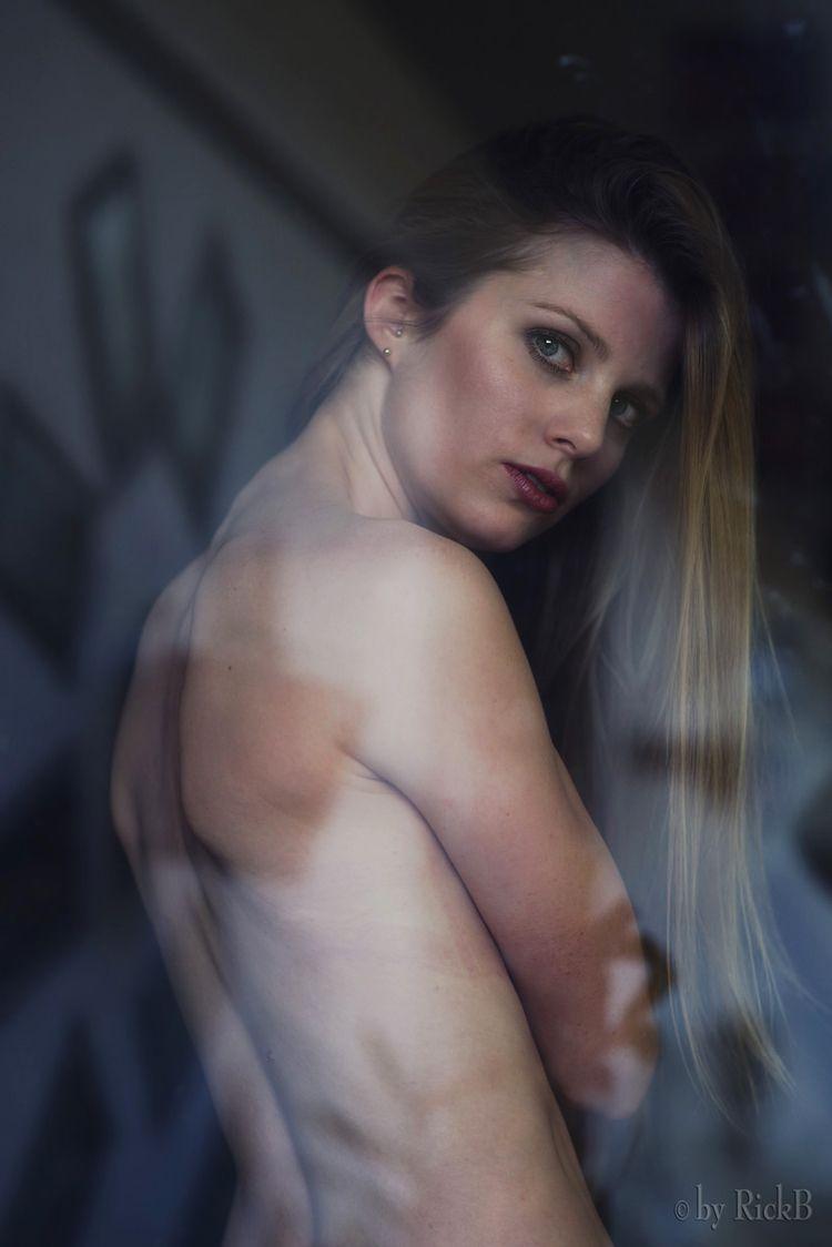Windows Beauty - portrait, rickB - rickb500 | ello