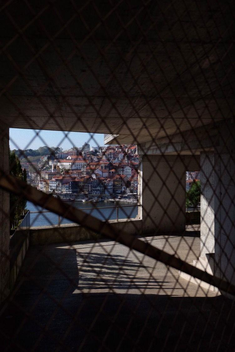 Vila Nova de Gaia PT - vinhil_ | ello