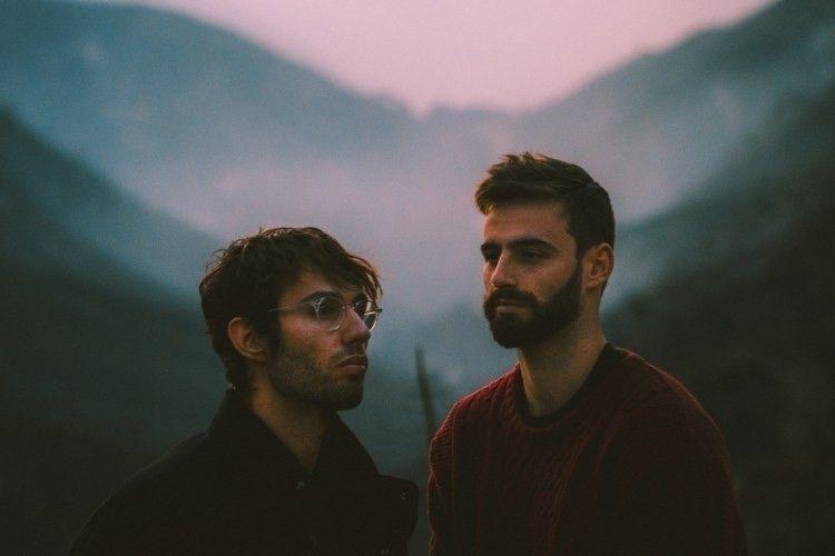 Rising indie-duo slenderbodies  - thissongissick | ello