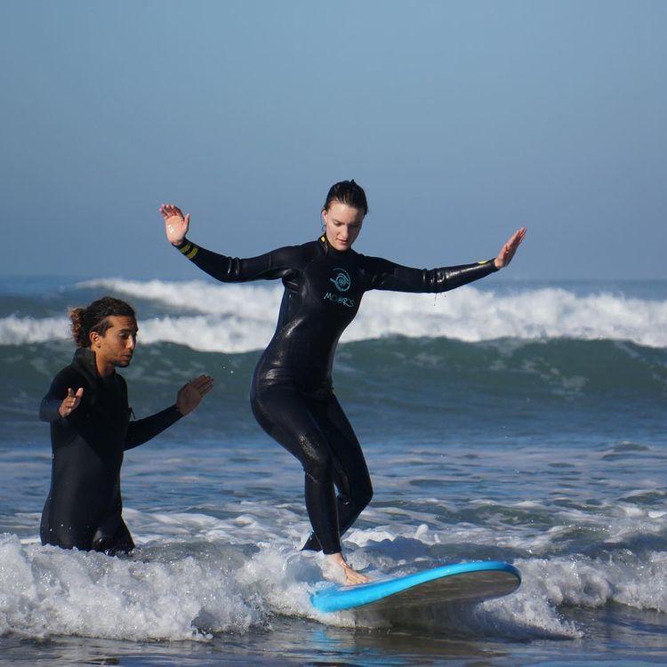 Private Group Surf Lessons - dancingthewaves | ello