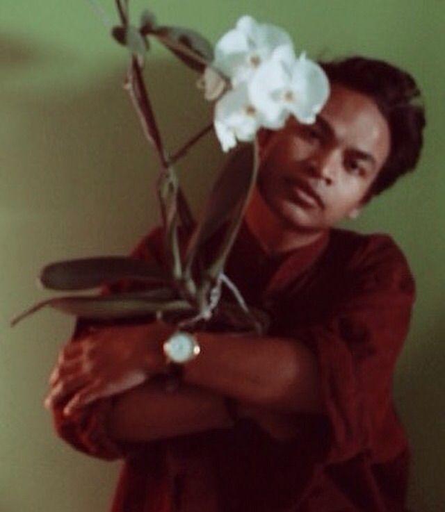 Hug plant - retro#vintage#photo - sovanbrigati | ello