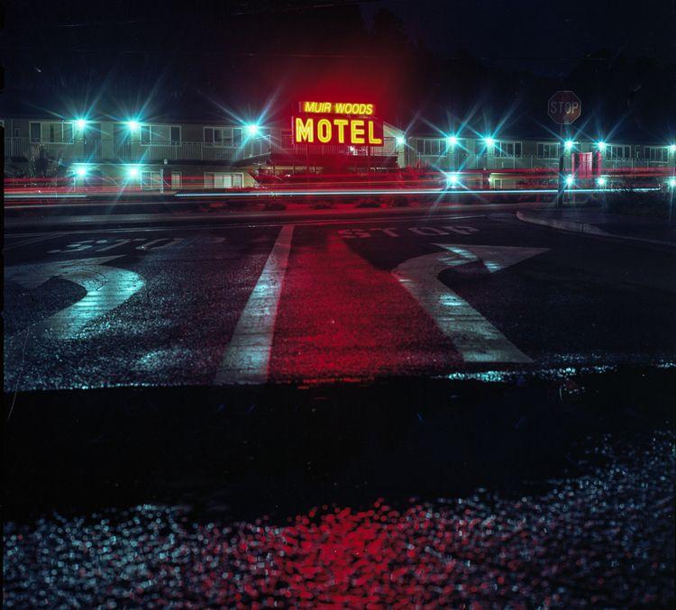muirwoods, motel, onfilm, hasselblad500cm - teetonka | ello