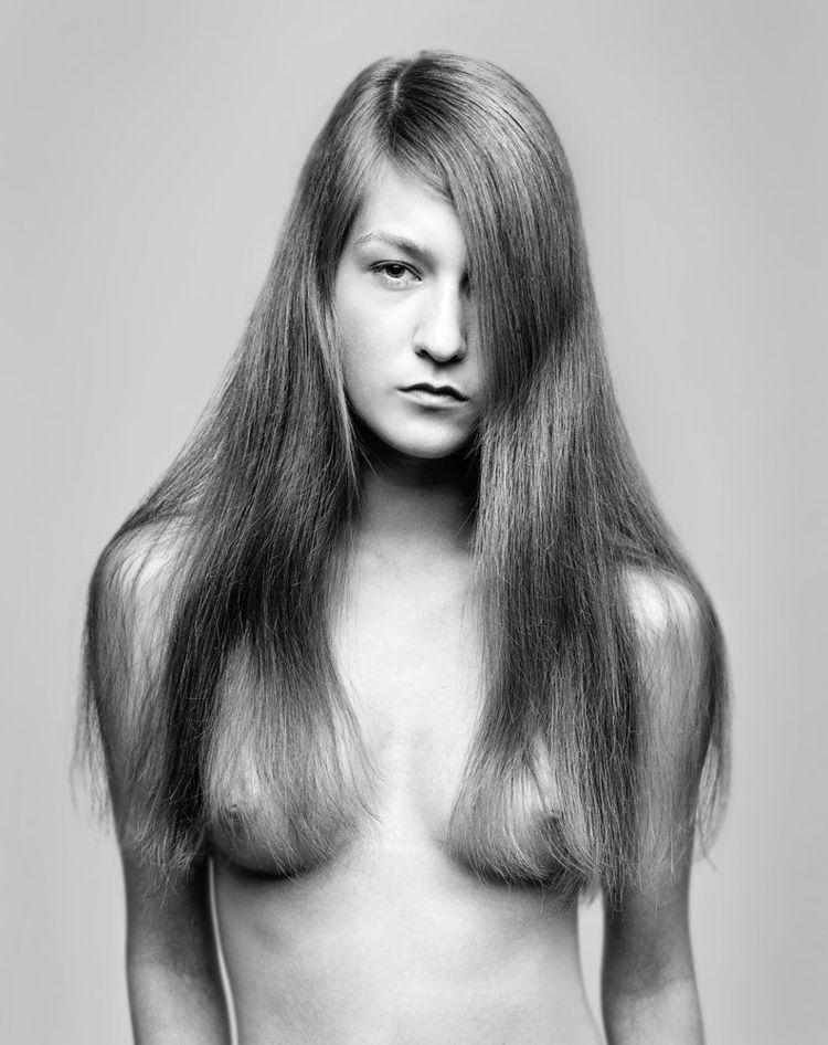 Jo Schwab, Untitled nude portra - romporn | ello
