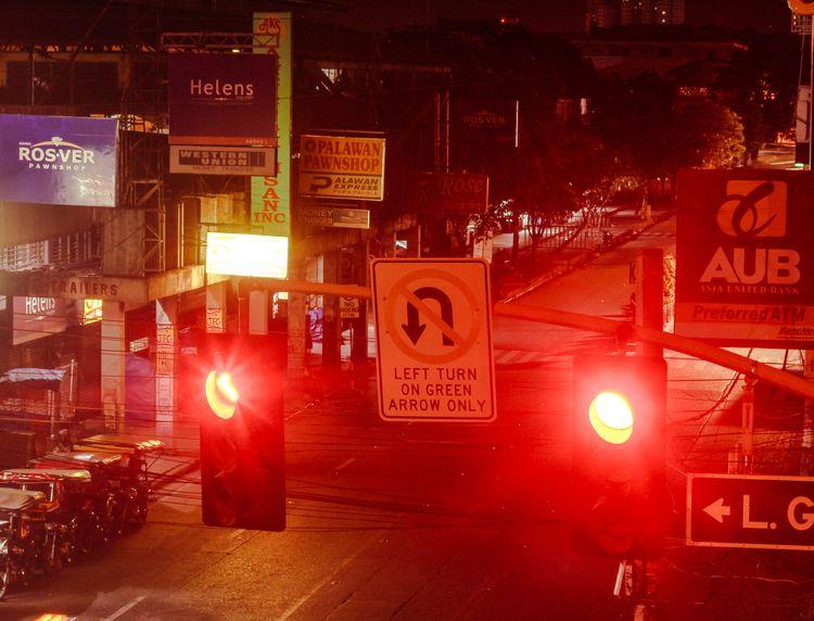 Traffic lights Davao City - photography - imeric | ello