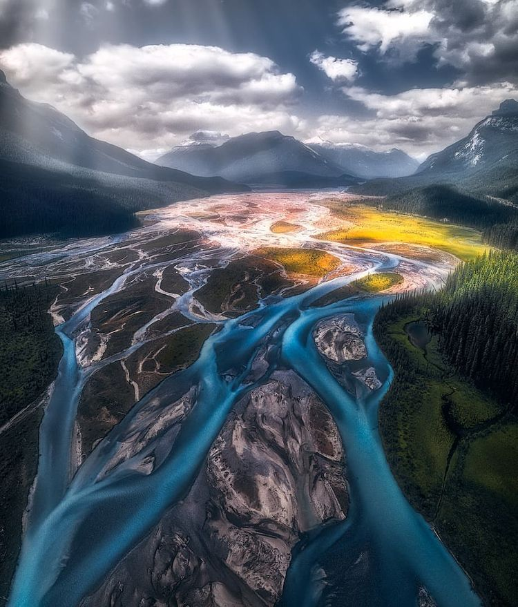 Breathtaking Natural Travel Lan - photogrist | ello