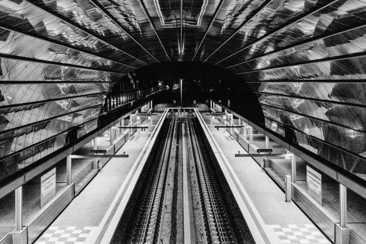Elbbrücken | Subway Station Ham - crumblegg | ello