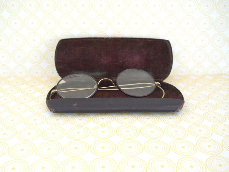 Frames Original Case  - spectacles - theresa-marchione | ello
