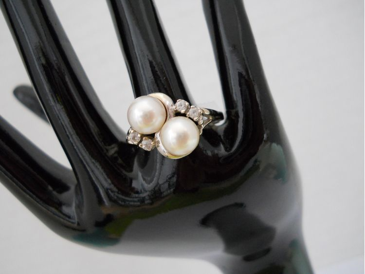 Vintage PEARL SPINEL Ring 14k W - theresa-marchione | ello