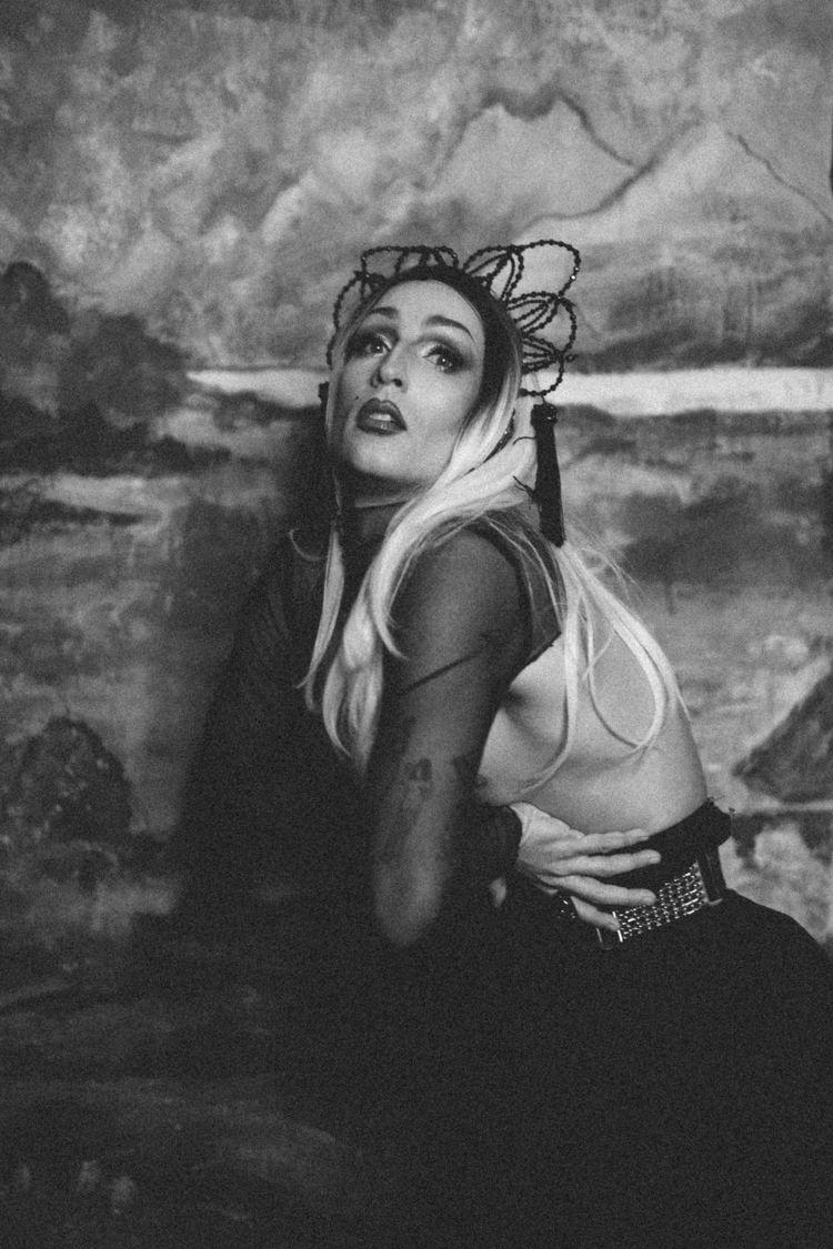 dragqueen, portrait, beauty, photography - dark-indigo | ello