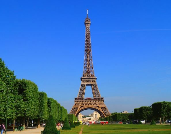 Places Paris Visit   beautiful  - globalworldtrip   ello