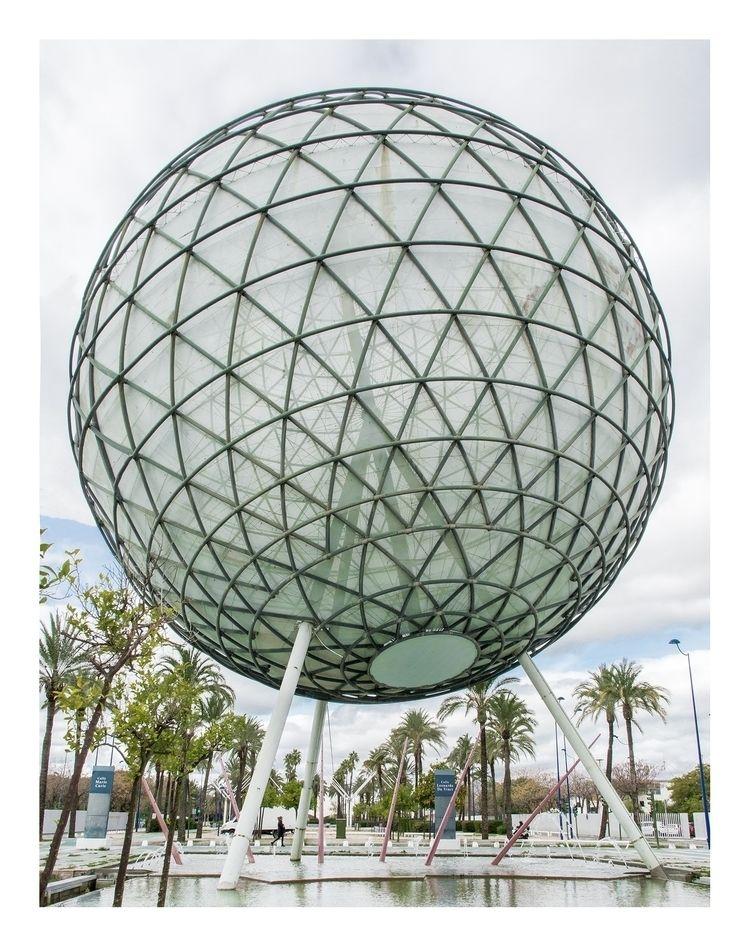 Esfera Bioclimática Expo 92' Se - dominikgeiger | ello
